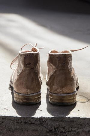 Nude leather shoe by Mjus