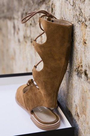 Cruella-Cuoio mocca sandaler från Alberville